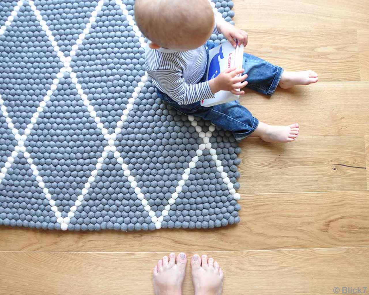 Baby Striped Blue White Felted Wool Balls Rugs 2