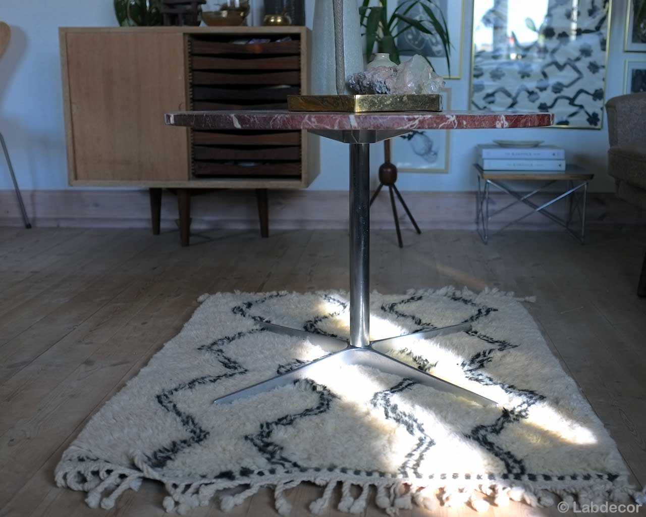 woolen chest and steel round table made in morocco oriental rugs online