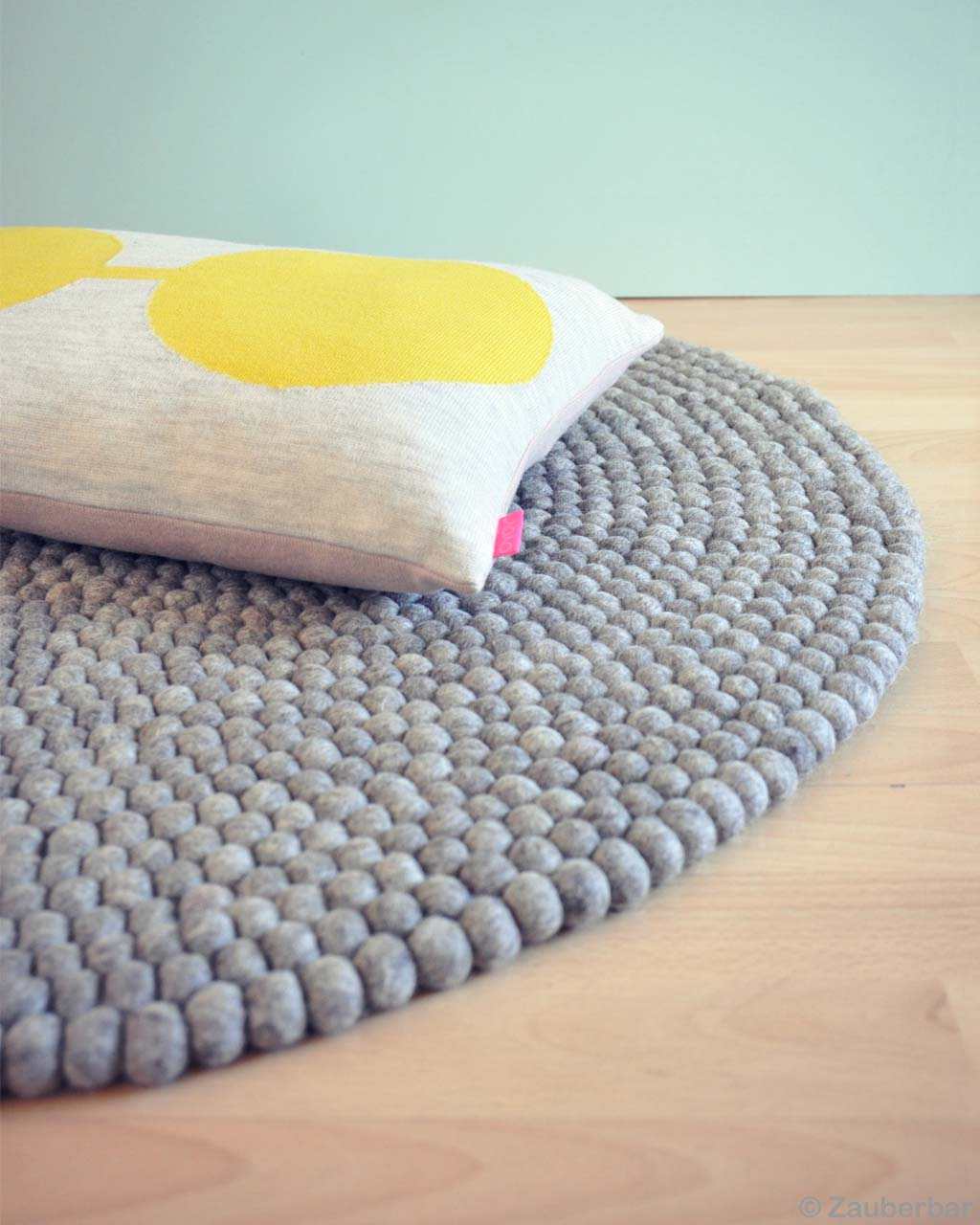 woolen nice yellow and white pillow made by nepalian oriental rugs