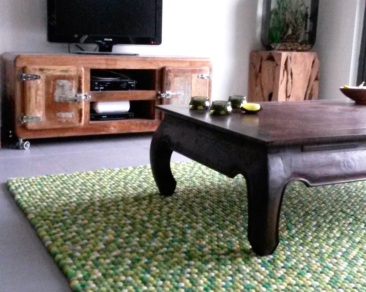 oak table green personalized rug